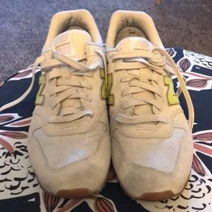 Gently used new balance sneakers. NB696